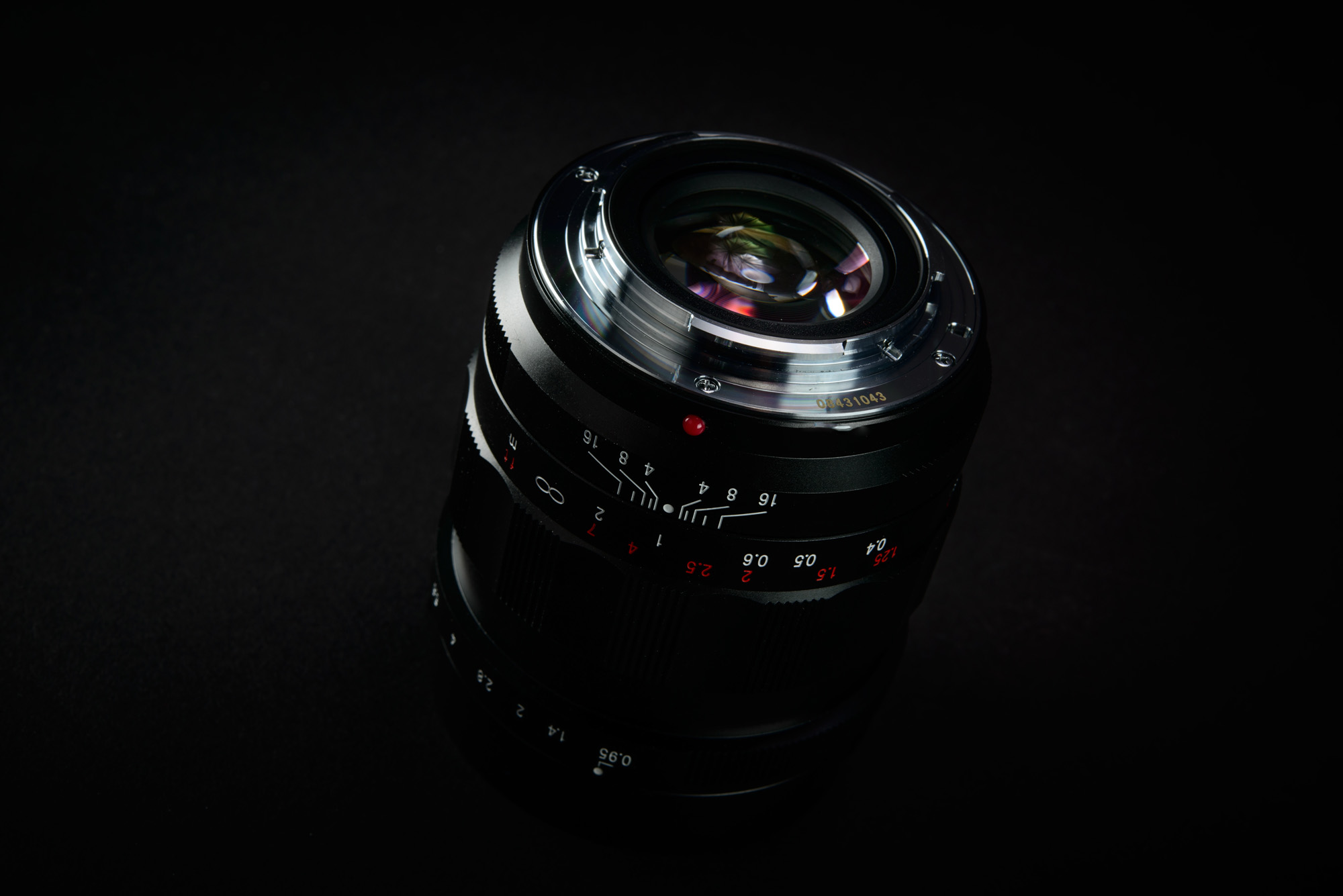 voigtlander-nokton-25mm-f0.95-review-03